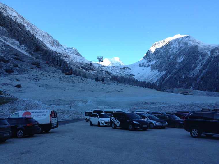From valley to snow-laden glacier in 11 very comfortable minutes